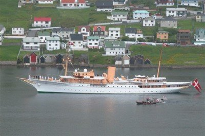 Royal_Danish_ship_Dannebrog_in_Vagur,_Faroe_Islands Licensed under the Creative Commons Attribution-Share Alike 3.0 Unported