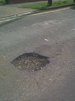 Pothole in Leasway, Rayleigh